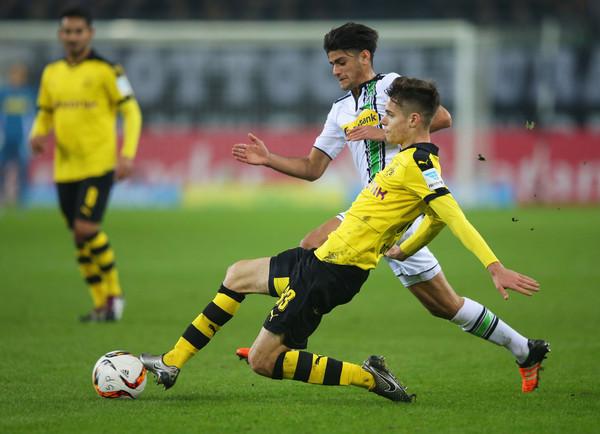 Mahmoud+Dahoud+Julian+Weigl+Borussia+Moenchengladbach+mpuwppbD_c2l