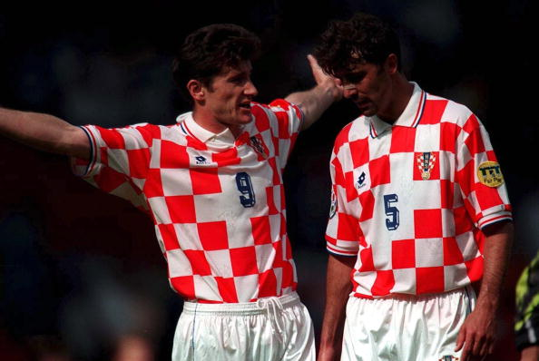 UNITED KINGDOM - JUNE 23: EURO 1996 GER - CRO 2:1 Manchester; Davor SUKER und Nikola JERKAN - KROATIEN (Photo by Lutz Bongarts/Bongarts/Getty Images)