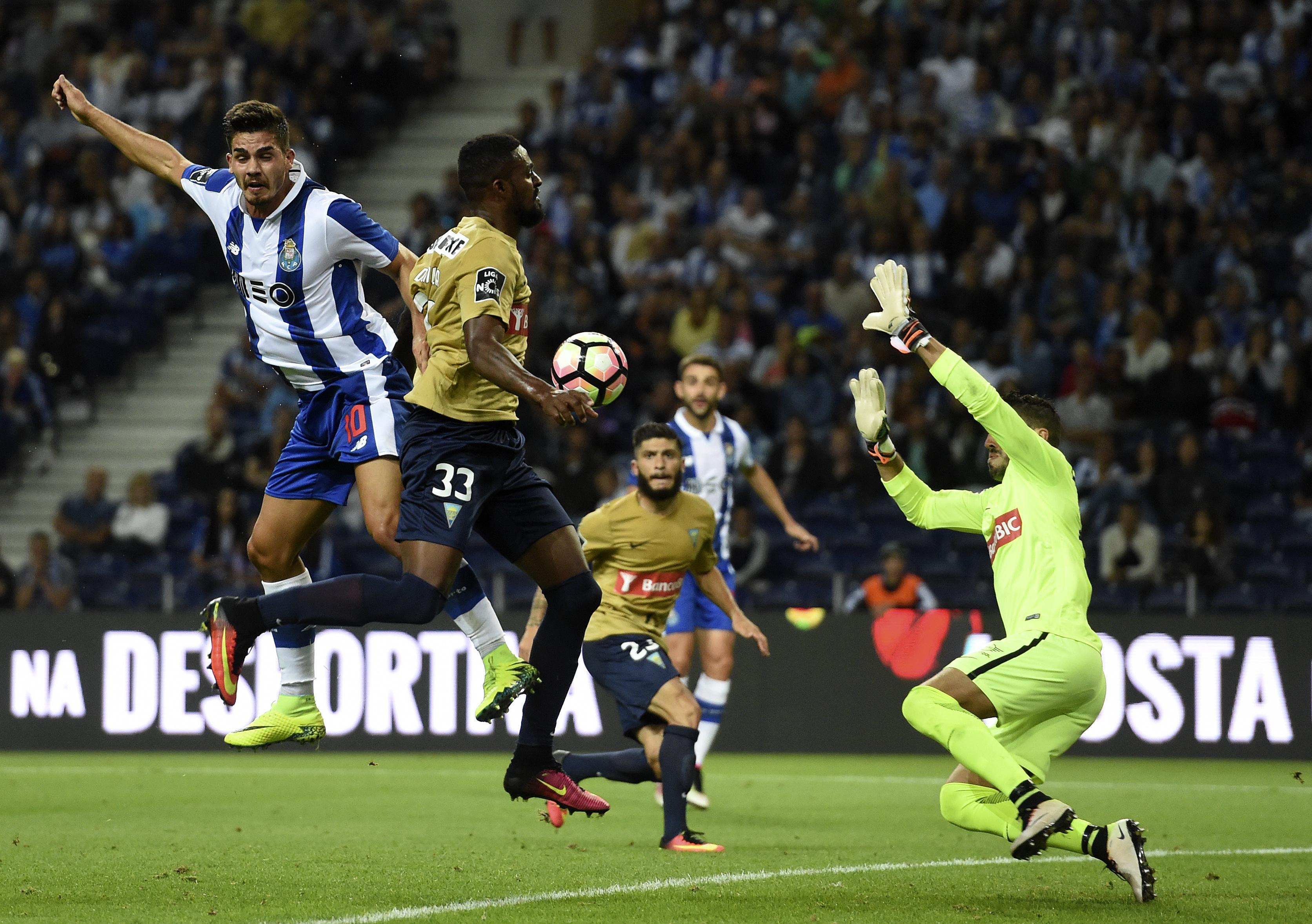 «Bienvenue au pays d'Ederzitogol #2»: André Silva MVP, Benfica et Braga coincent déjà