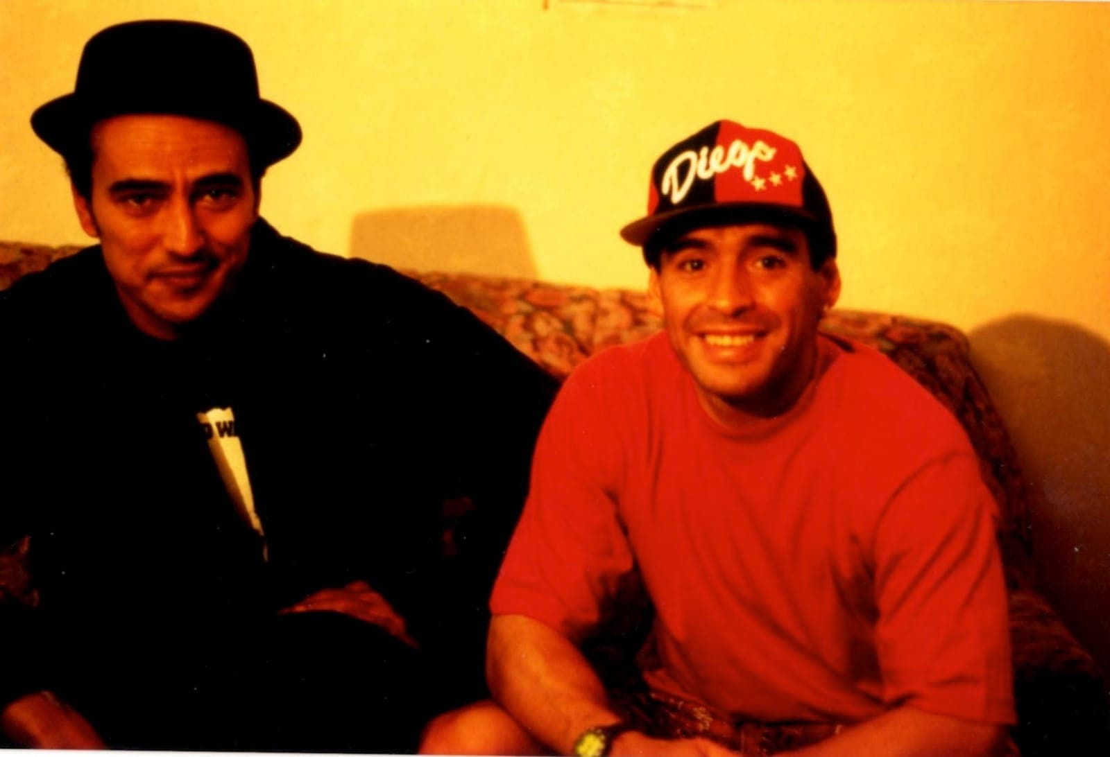 Didier Roustan en compagnie de Diego Maradona.