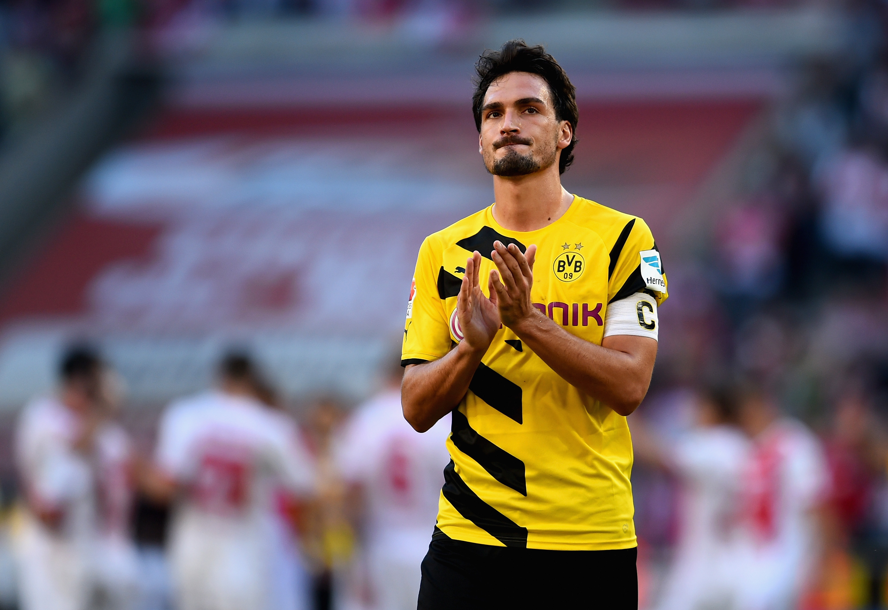 COLOGNE, GERMANY - OCTOBER 18:  Mats Hummels of Borussia Dortmund shows his frustration after the Bundesliga match between 1. FC Koeln and Borussia Dortmund at RheinEnergieStadion on October 18, 2014 in Cologne, Germany.  (Photo by Dennis Grombkowski/Bongarts/Getty Images)