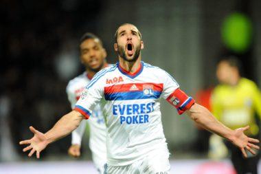 Lisandro Lopez sous le maillot de l'Olympique Lyonnais.